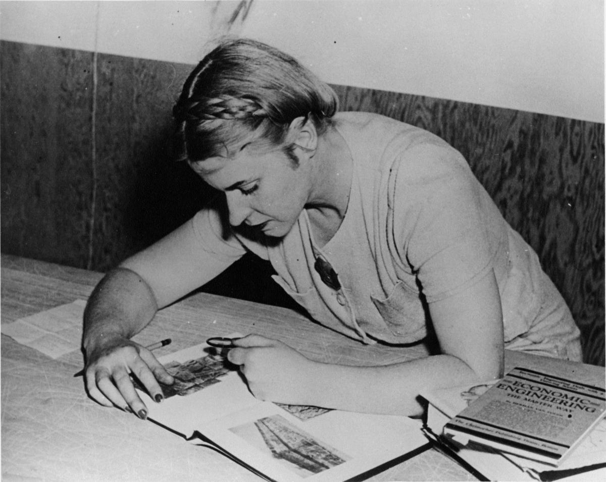 Mona Hofmann